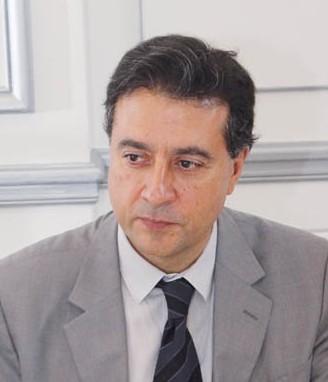 Dr. Bernardo Perea