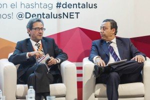 José Luis del Moral, director de GACETA DENTAL y DENTALUS y el Dr. Óscar Castro Reino, presidente del Consejo General de Denistas de España.