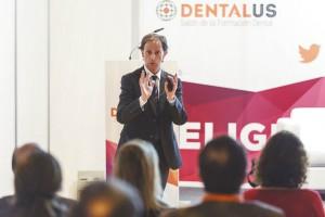 José María Fonollosa destacó que el título oficial de FP de Prótesis Dental tiene una carga lectiva insuficiente.