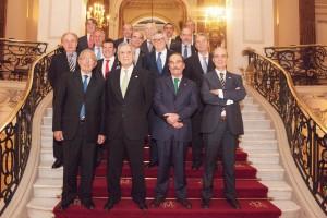 El Dr. Fernando García, junto a otros destacados miembros de la Sociedad, durante la celebración de la cena de hermandad de la SECOM.
