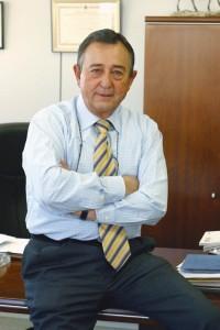 Fernando de las Casas acaba de renovar su cargo al frente del Club Tecnológico Dental.