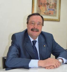 El Dr. Luis Cáceres, presidente del Consejo Andaluz de Dentistas.