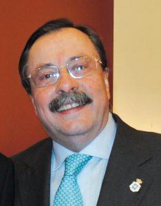 El Dr. Luis Cáceres.