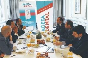 El encuentro, centrado en el tema de la llamada «burbuja dental» reunió a destacados profesionales del ámbito colegial de nuestro país.