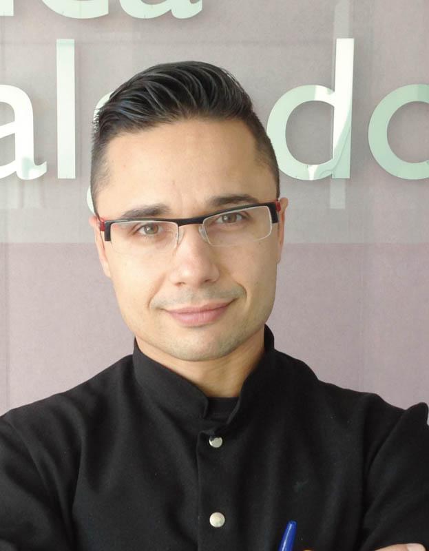 Dr. Alberto Salgado