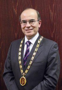 El Dr. Julio Acero estará al frente de la IAOMS por un periodo de dos años.