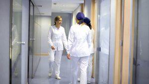 La Dra. Nuria Vallcorba dirige una clínica en Barcelona desde hace 25 años.
