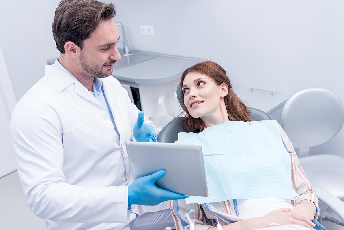 Resultado de imagem para patient discussing treatment