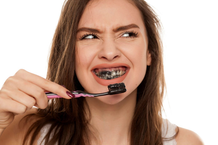 Carbón blanqueamiento dental