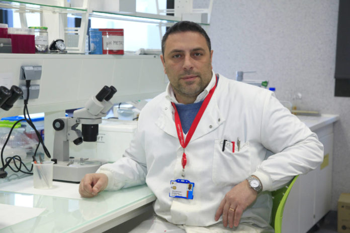 Profesor Salvatore Sauro