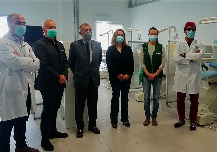 Equipo médico de la Escuela Universitaria ADEMA y la AECC de Baleares.