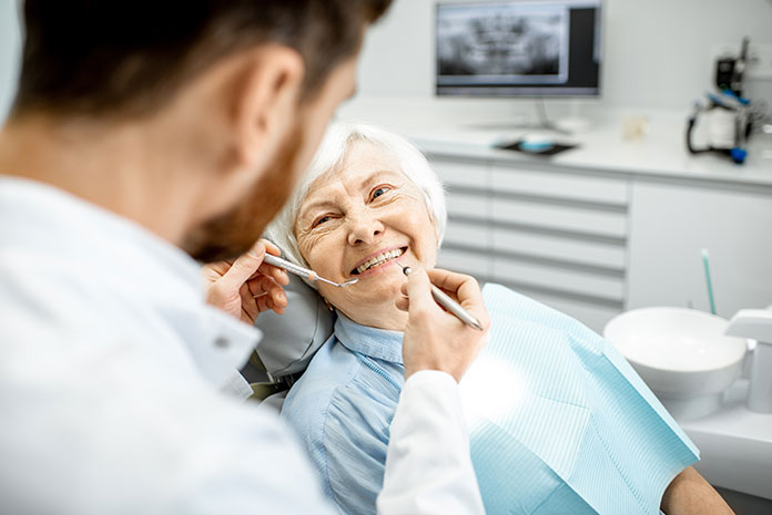 Guía de salud bucodental en personas mayores