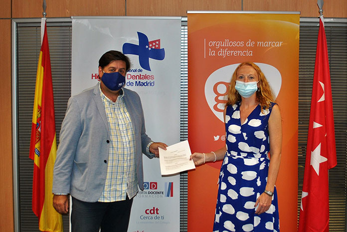 Los higienistas dentales de Madrid y GSK renuevan su acuerdo de colaboración para 2021 y 2022