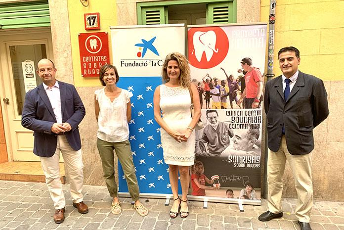 Fundaci´´on la Caixa y Caixabank renuevan su colaboración con Dentistas sobre Ruedas