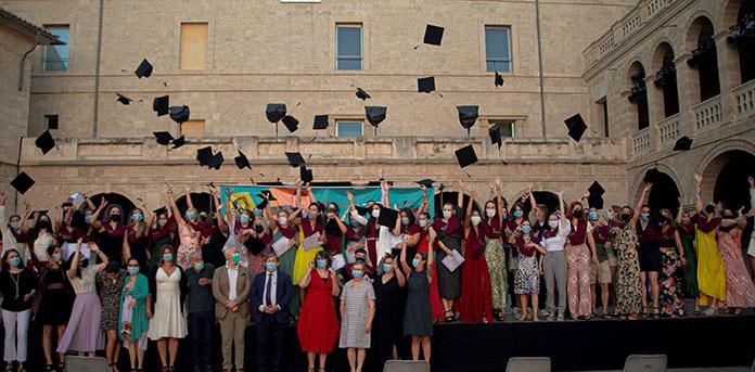 Graduación de los ciclos superiores y medios de FP de la Escuela Universitaria ADEMA