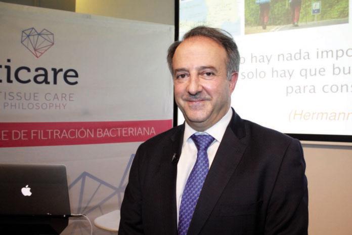 Entrevista al Dr. Juan Blanco Carrión, director de la Cátedra USC-Ticare