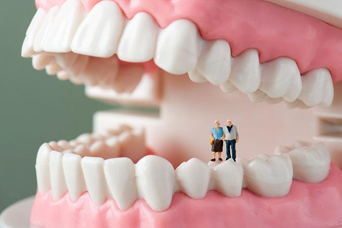 Implantología oral geriátrica