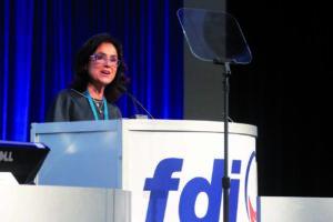 Entrevista a la Prof. Ihsane Ben Yahya, presidenta de la Federación Dental Internacional (FDI)