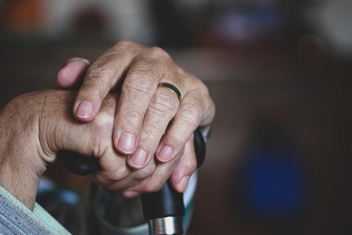 Las caries en los adultos mayores en España