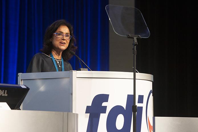 Prof. Ihsane Ben Yahya, presidenta de la Federación Dental Internacional (FDI)