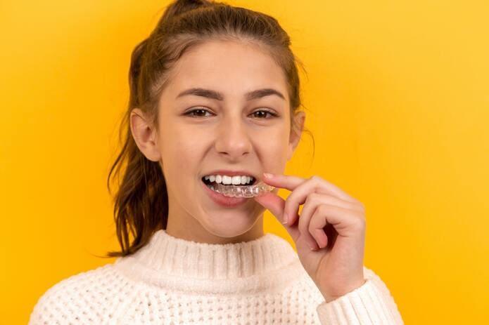 Qué hacer si los retenedores dentales no encajan